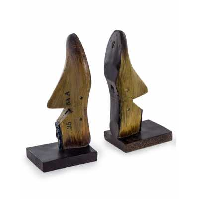 Antiqued Wood Effect Brown Shoe Last Pair Of Bookends Ornaments 26.2x12.5x9.5cm each